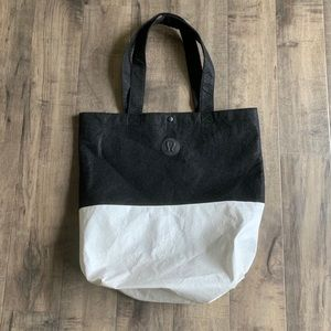 Lululemon large tote bag, shopping bag